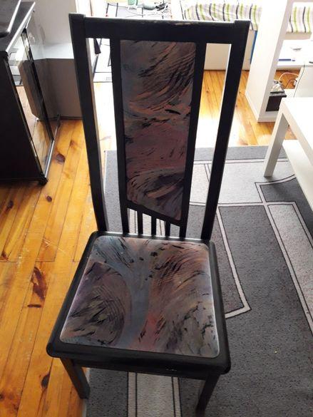 Дървени столове 8 бр.