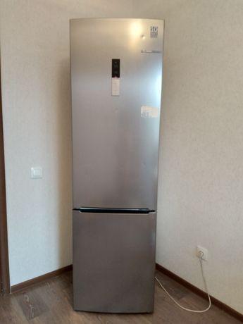 Срочно продам холодильник есть торг