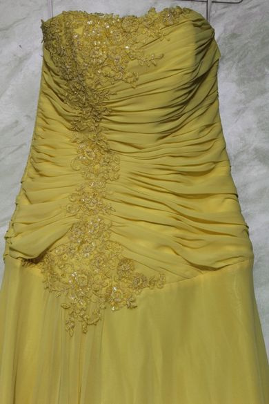 Бална рокля / жълт цвят
