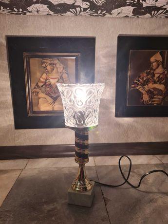 Настолна лампа .