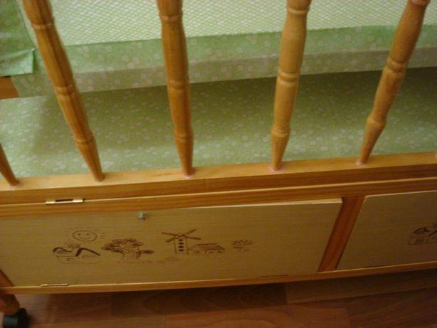 Продается детская кроватка из натурального дерева