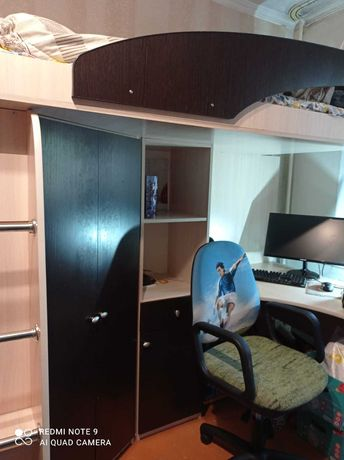 Кровать-чердак двухъярусный с рабочей зоной и шкафом