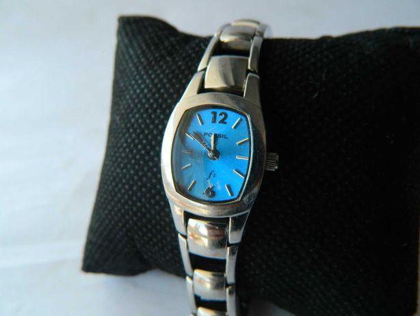 Ceas de dama vintage  Fossil , cadran albastru , din otel cod f24