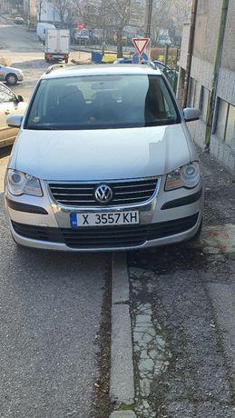 Продавам VW TOURAN метанов 2008 г.