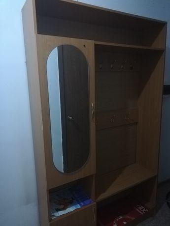 Срочно продам шкаф для прихожой комнаты