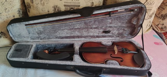 Скрипка 4/4 в отличном состоянии