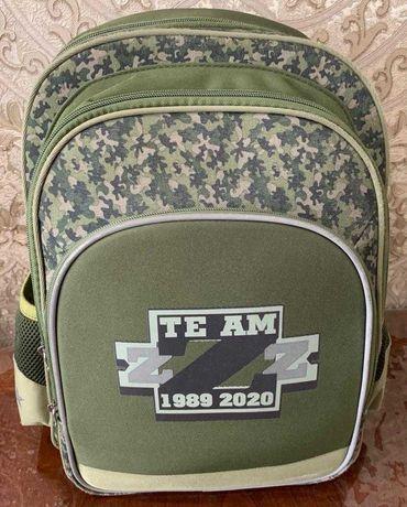 Продам портфель школьный