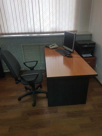 Столы письменные офисные