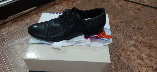 Натуральные кожанные мужские туфли
