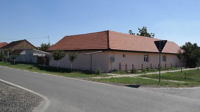 Casa de vanzare in Curtici cu teren 930 MP