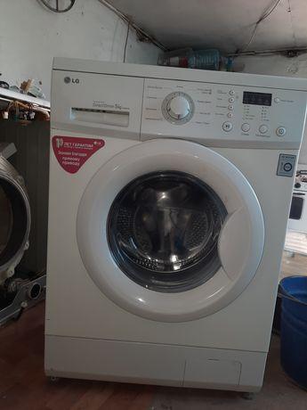 Продам стиральную машину lg на 5кг