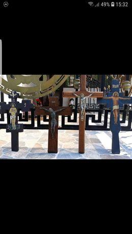 Crucfixuri vechi de colectie