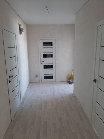 Установка межкомнатных дверей,багеты,укладка ламината