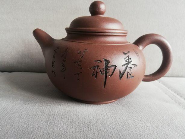 Глиняный чайник для чая.