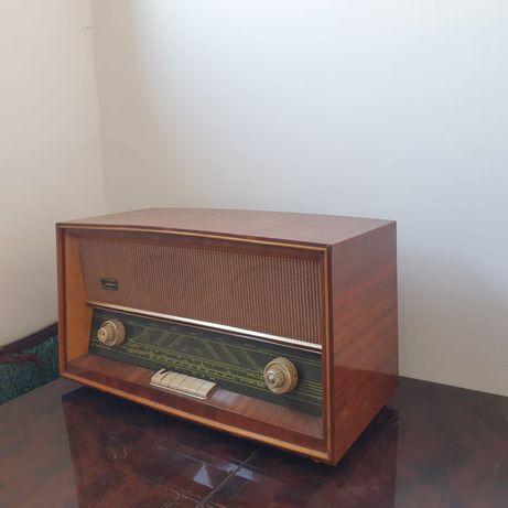 Radio vechi de colectie