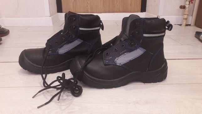 Новые мужские рабочие ботинки