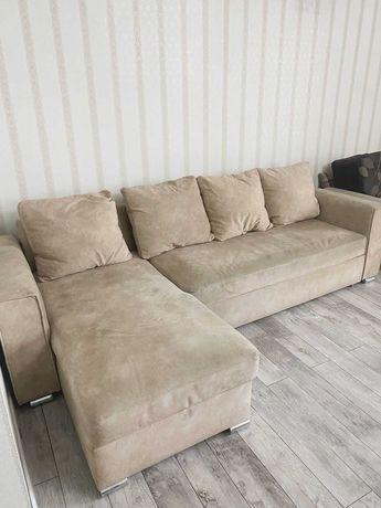 Угловой раскладной диван для гостиной