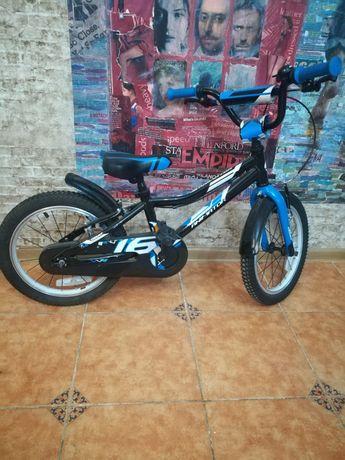 Продам детский велосипед Giant