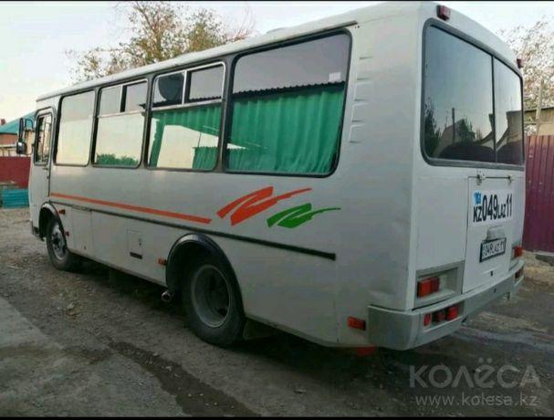 """Срочно продаётся автобус """"Пазик""""."""