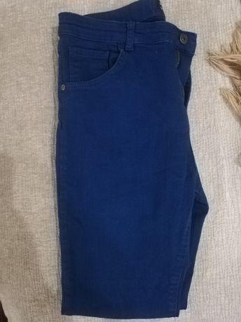 Продам джинсы детские
