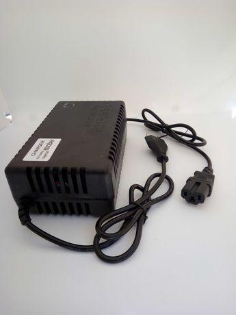 Incarcator pentru scuter electric baterii pe gel 60v20ah 67 2 ah