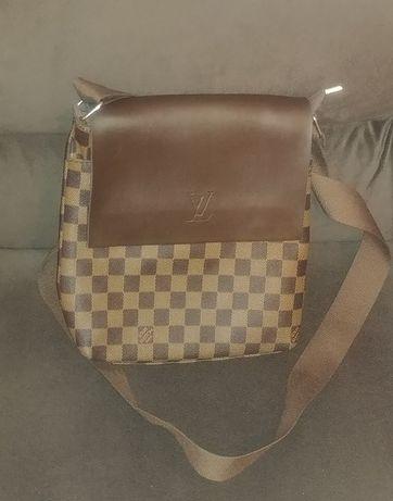 Страхотна чанта Louis Vuitton