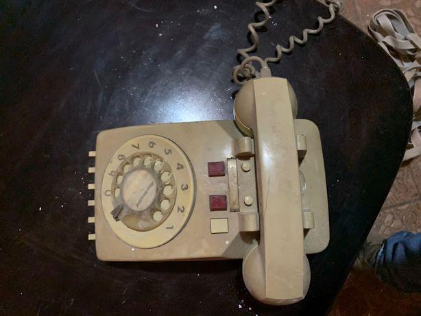 Vând telefon vechi