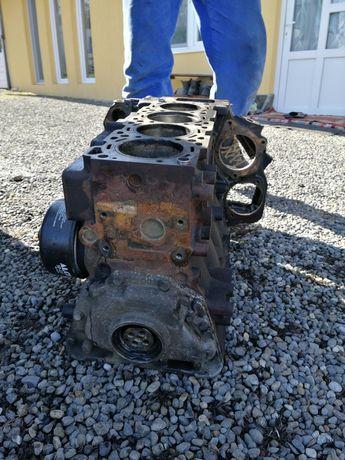 Bloc motor lt 2,8 131 cp