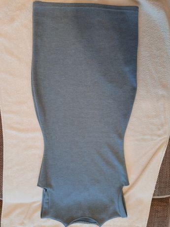 Продам платье без рукавов, облигает, 42 размера