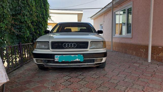 Автомобиль Ауди С4