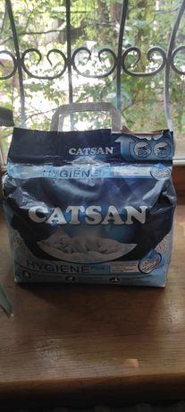 Наполнитель Catsan Hygiene Plus впитывающий 10 л 2 упаковки