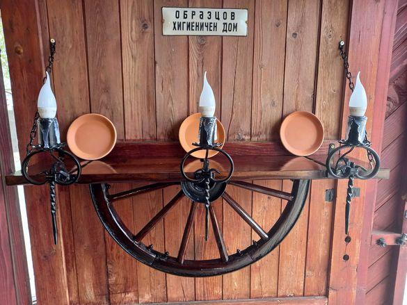 Лампа рафт-етажерка от колело на каруца