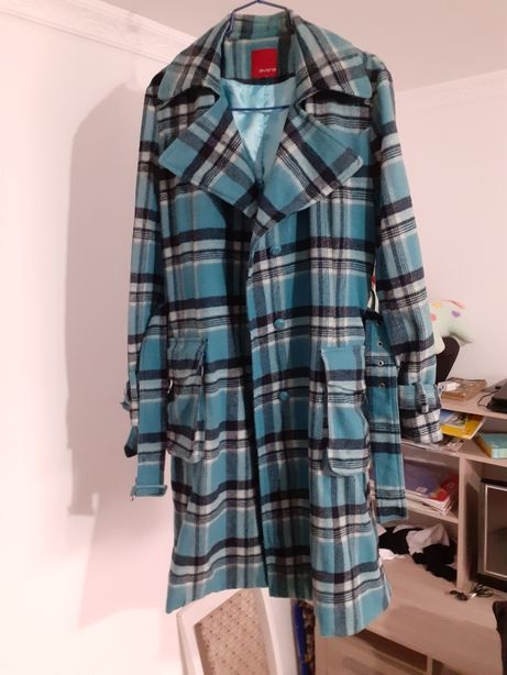 Пальто 48-50размер Цена:5000