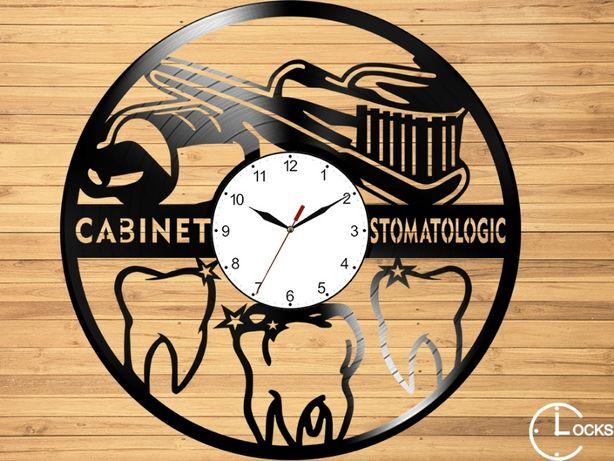 Ceas de perete din lemn Cabinet Stomatologic | design obiect retro