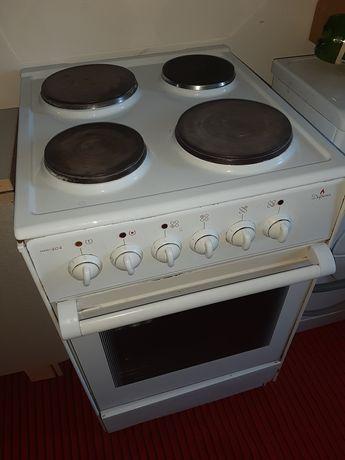 Продам плиту четырехконфорочную