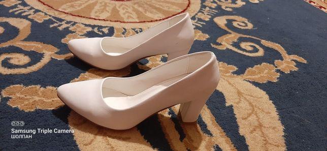 Белые туфли турецкие