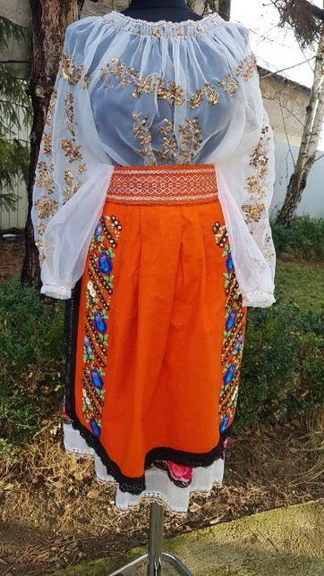 Costum popular (ie/camasa, poala, catrinte/fote/oprege/soarte)