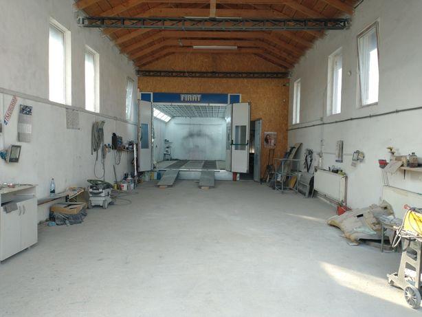 Atelier de vopsitorie cu cabina