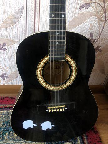 Продам гитару в хорошем сост