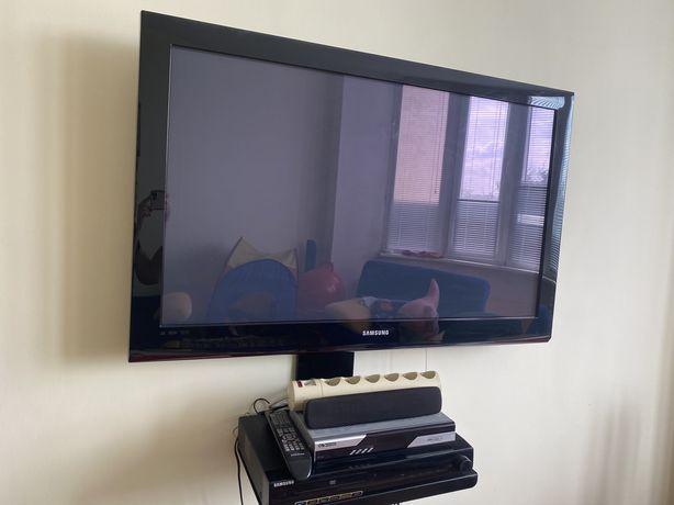 Телевизор с колонками