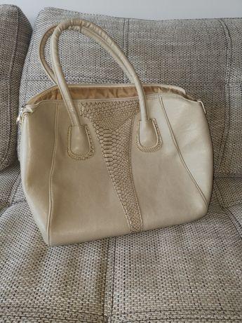 Намаление: Чисто нова дамска чанта