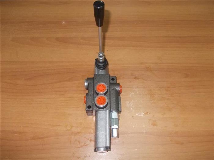 Distribuitoare hidraulice cu flotant - Distribuitor hidraulic flotant Targu Jiu - imagine 1