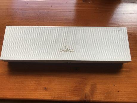 Vand cutie pentru ceasuri vintage Omega!