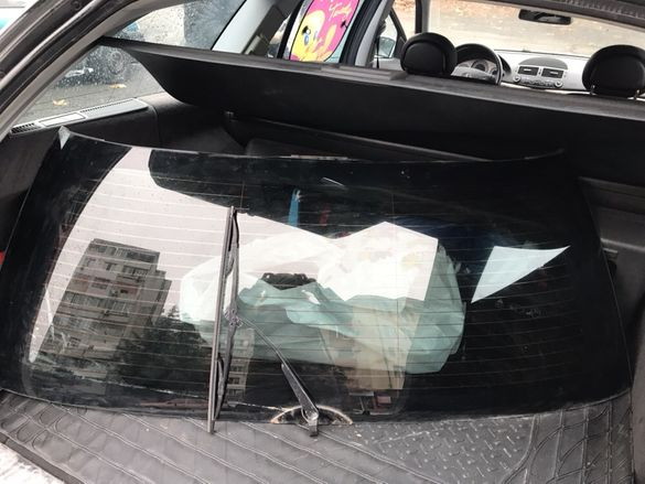Мерцедес Е клас комби W211 задно стъкло