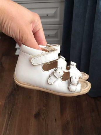 Босоножки, сандалии на девочку ОРТОПЕДИЯ.