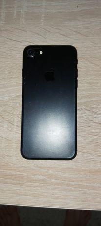 Продам iPhone 7 в хорошем состоянии
