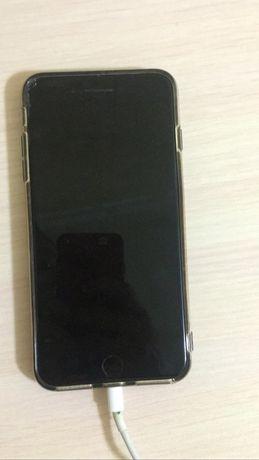 Продам айфон 7+  .