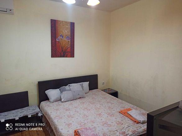 Самостоятелна стая в центъра