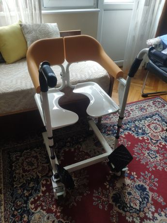 Тоалетен стол чисто нов