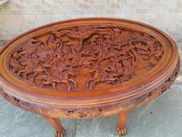 Masa ovala sculptata